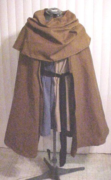 """LORD OF THE RINGS"" TUNIC WITH COWL AND CAPE"
